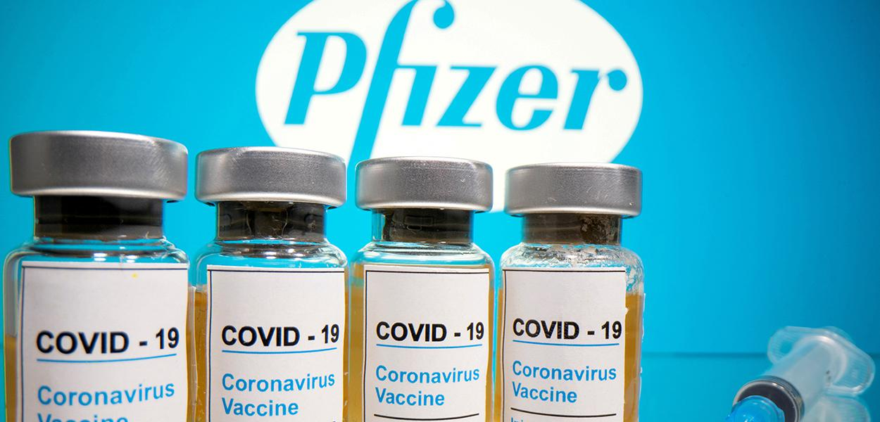 Foto de ilustração de vacina da Pfizer. 31/10/2020
