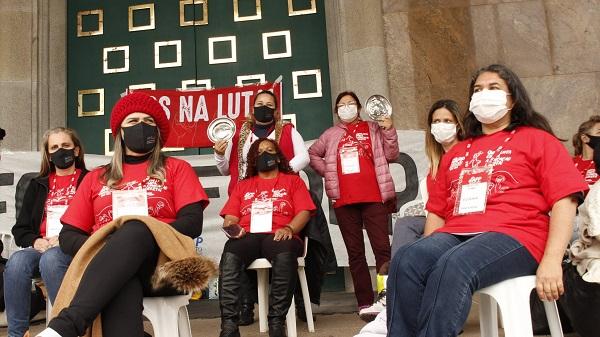 Professores em greve de fome no Paraná