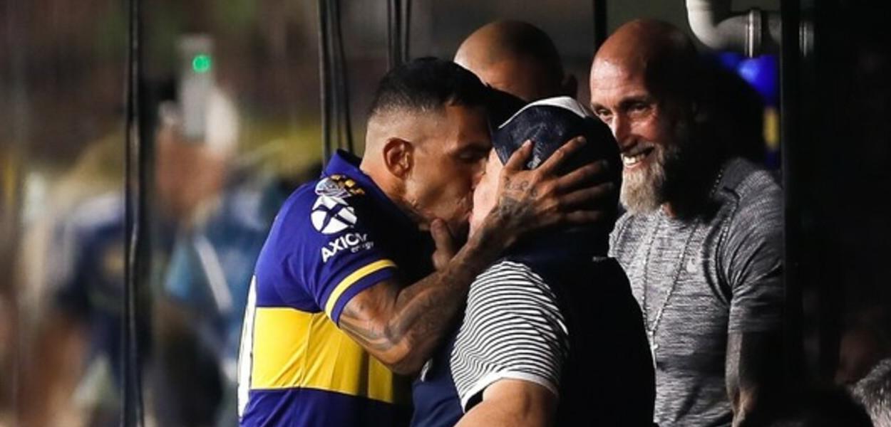 Carlos Tévez e Diego Maradona