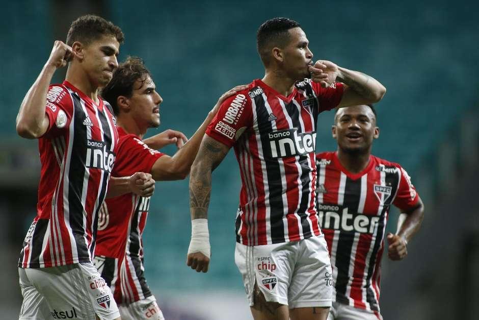 Luciano comemora um de seus gols na partida de ontem; Foto: Miguel Schincariol/Flickr São Paulo/Divulgação