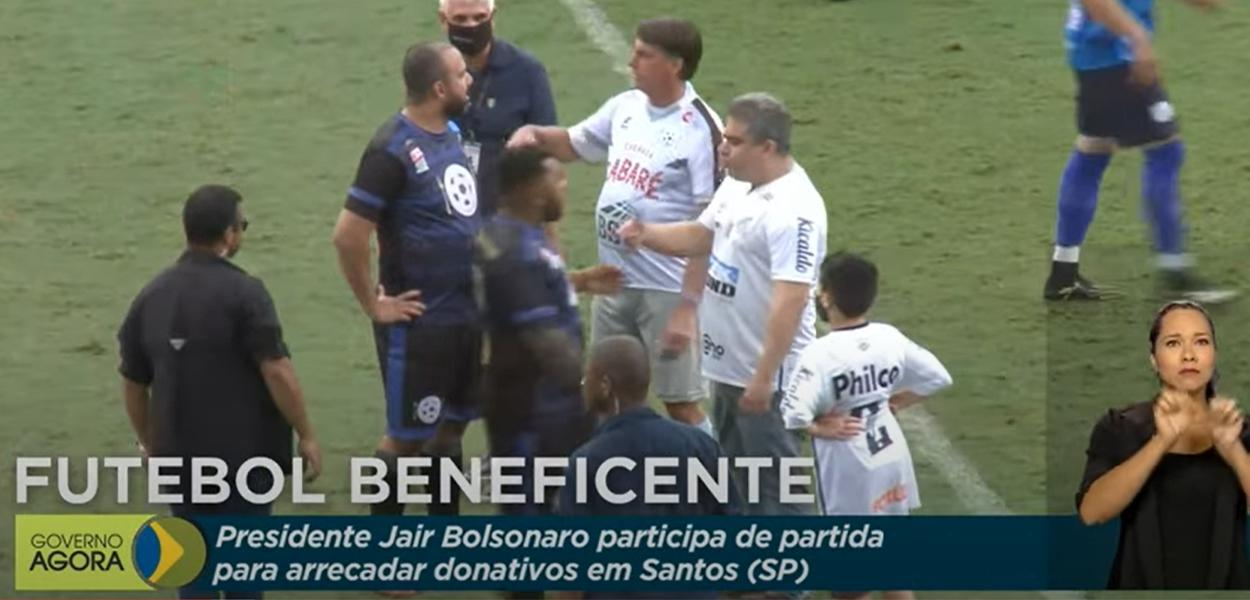 TV Brasil transmite jogo com Bolsonaro em campo