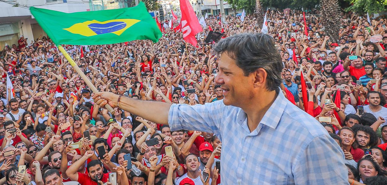 Haddad sobre Bolsonaro: 'se as ruas derem margem, ele atropela'