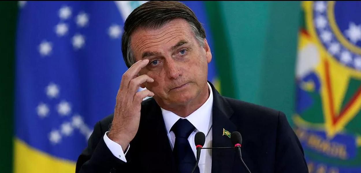 Bolsonaro admite rever BPC e reduzir idade mínima para mulher se aposentar.