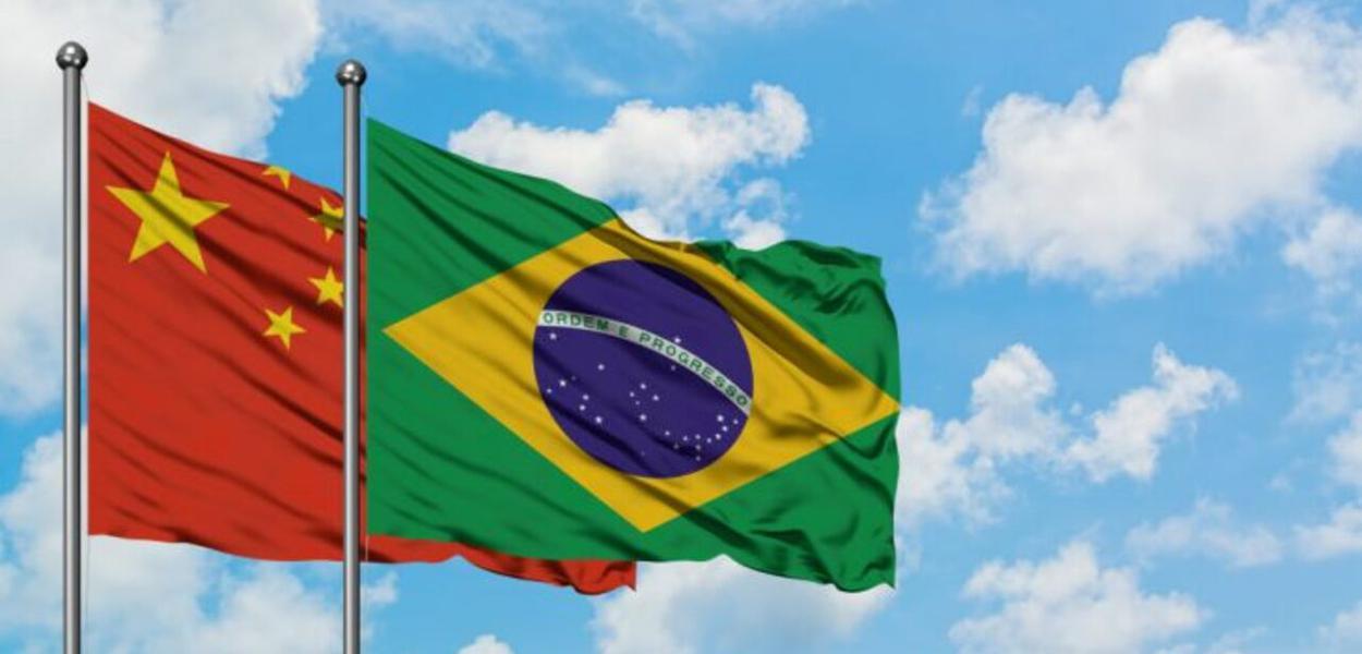 Brasil e China; bandeiras