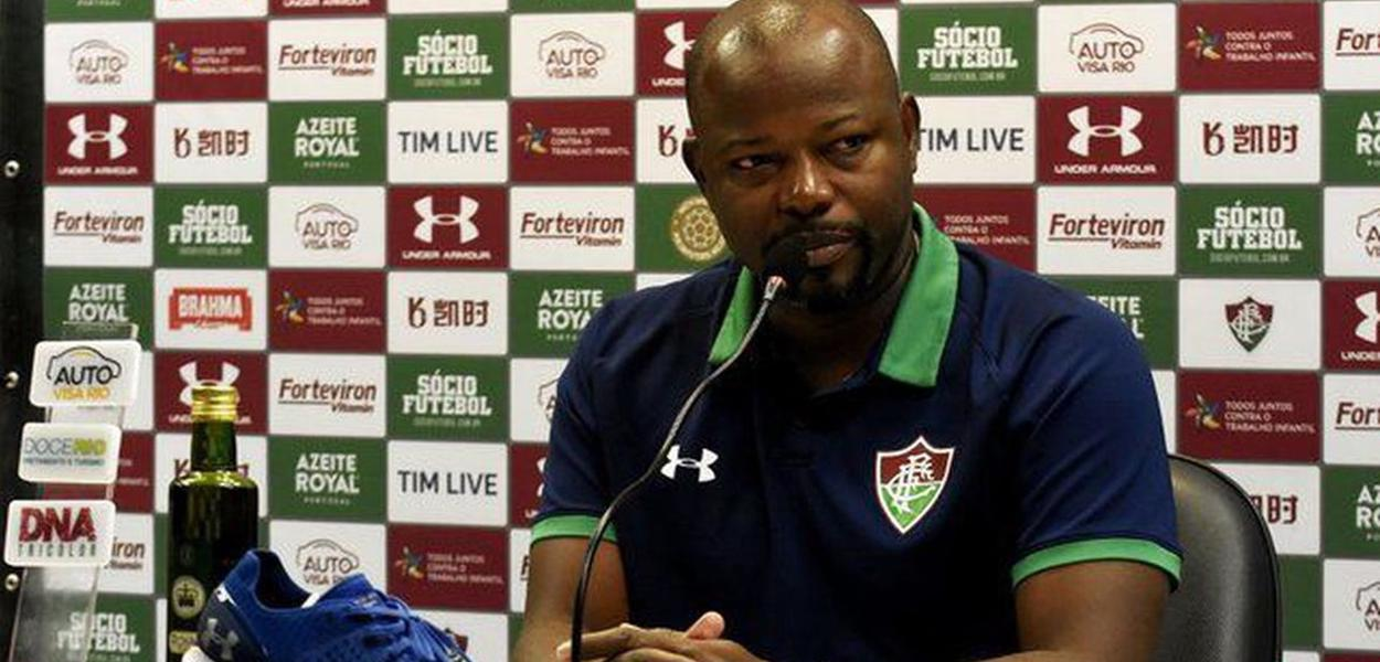 O técnico Marcão, do Fluminense
