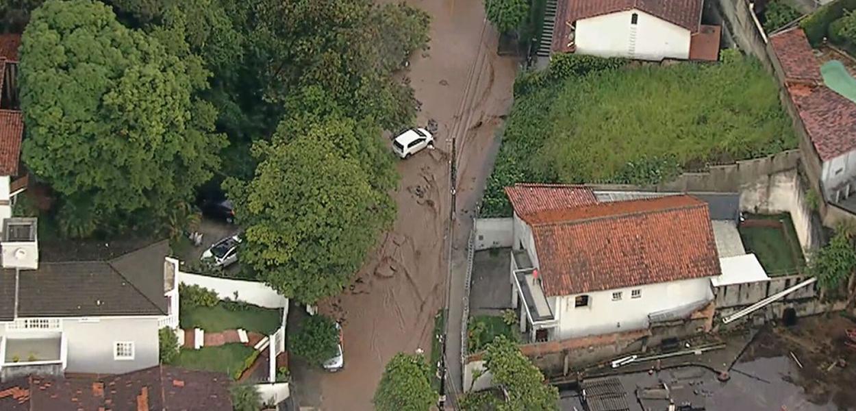 Chuva provoca estragos no bairro de Belvedere