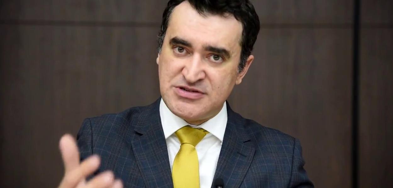 Alysson Mascaro