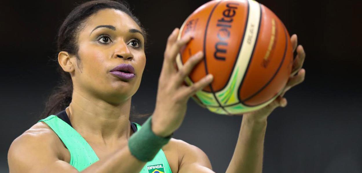 Iziane Castro Marques, atleta de basquete