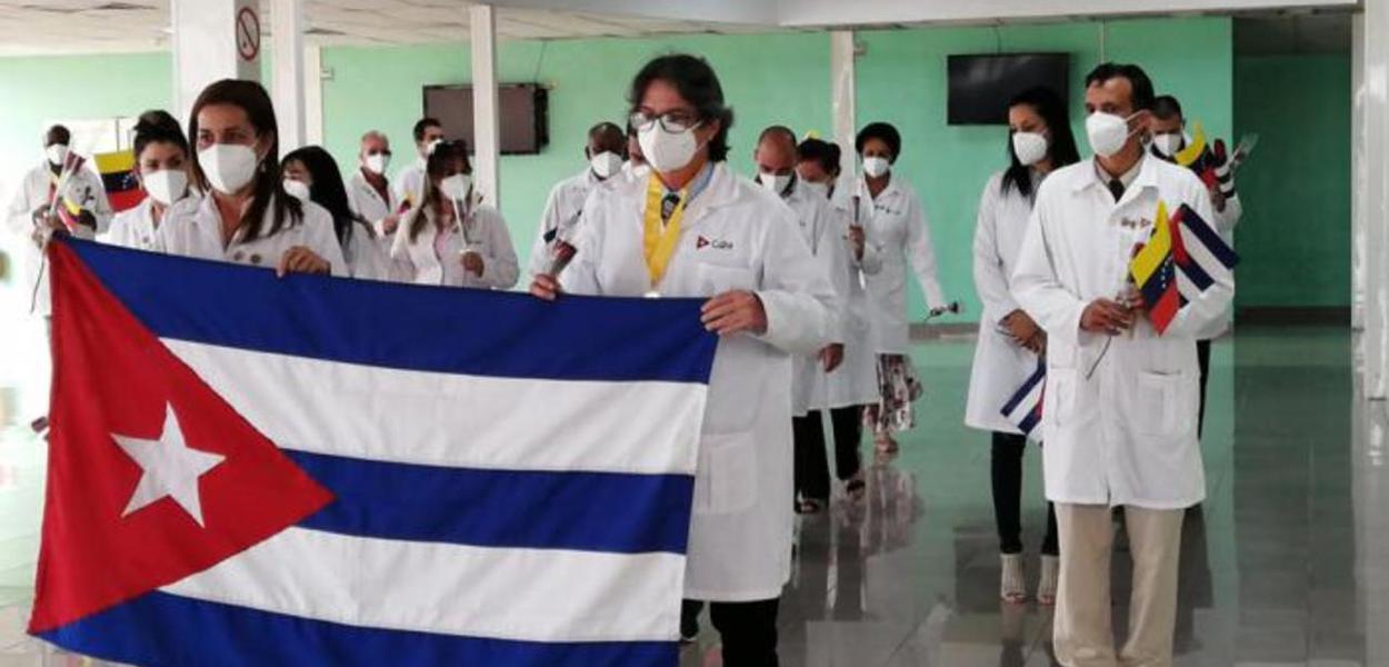 Brigada médica cubana retorna de missão na Venezuela
