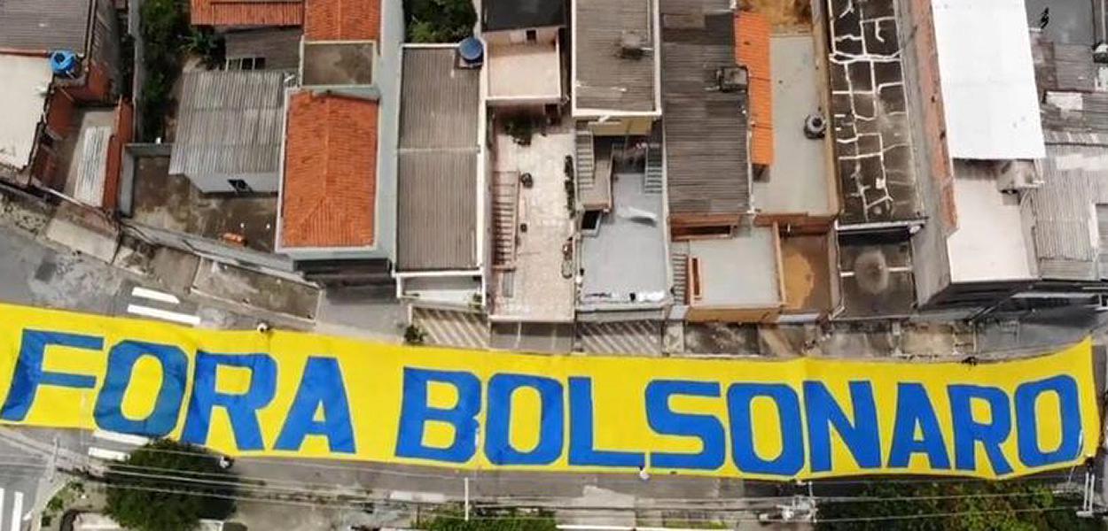 Nova pesquisa aponta que ampla maioria quer o afastamento de Jair Bolsonaro