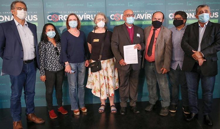 O pedido de impeachment é a primeira movimentação coordenada de líderes religiosos contra Bolsonaro