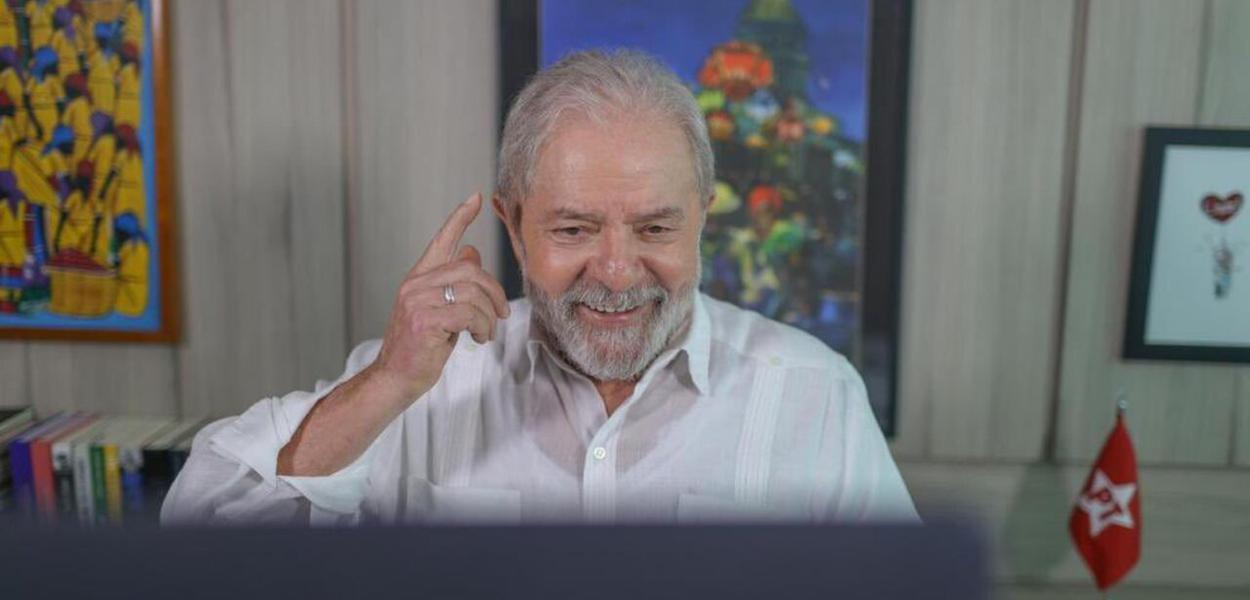 Ex-presidente Lula concede entrevista ao portal UOL