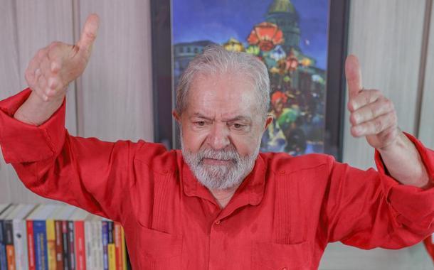 Lula: 'o povo quer emprego, não quer arma'