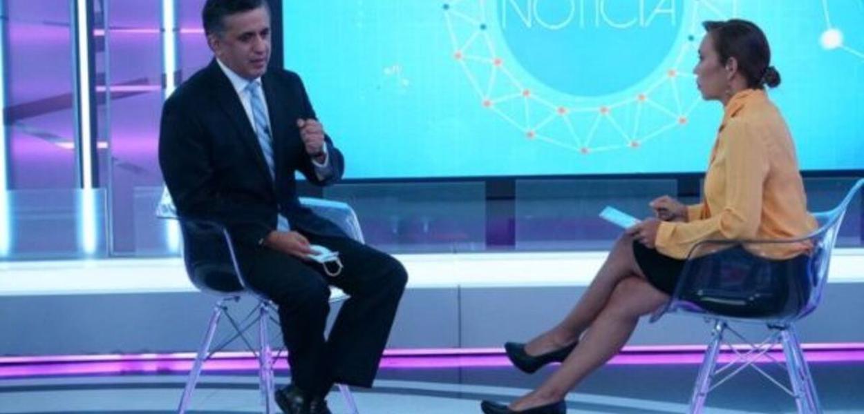 Sacha Llorenti em entrevista à Telesul