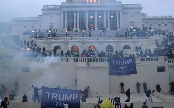 Invasão do Capitólio em Washington em 6 de janeiro de 2021