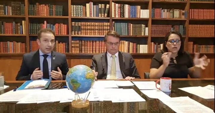 Bolsonaro em live nas redes sociais
