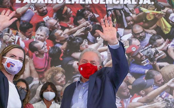 """""""Dia histórico"""", diz Gleisi após STF anular sentenças contra Lula na Lava Jato"""