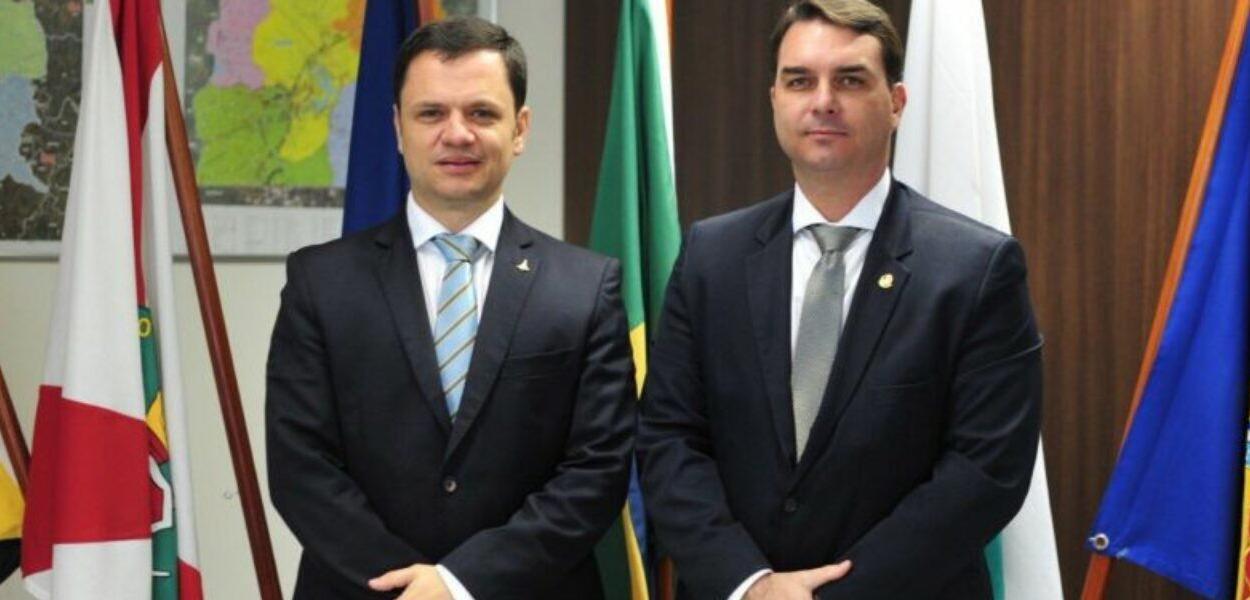 Anderson Torres e Flávio Bolsonaro