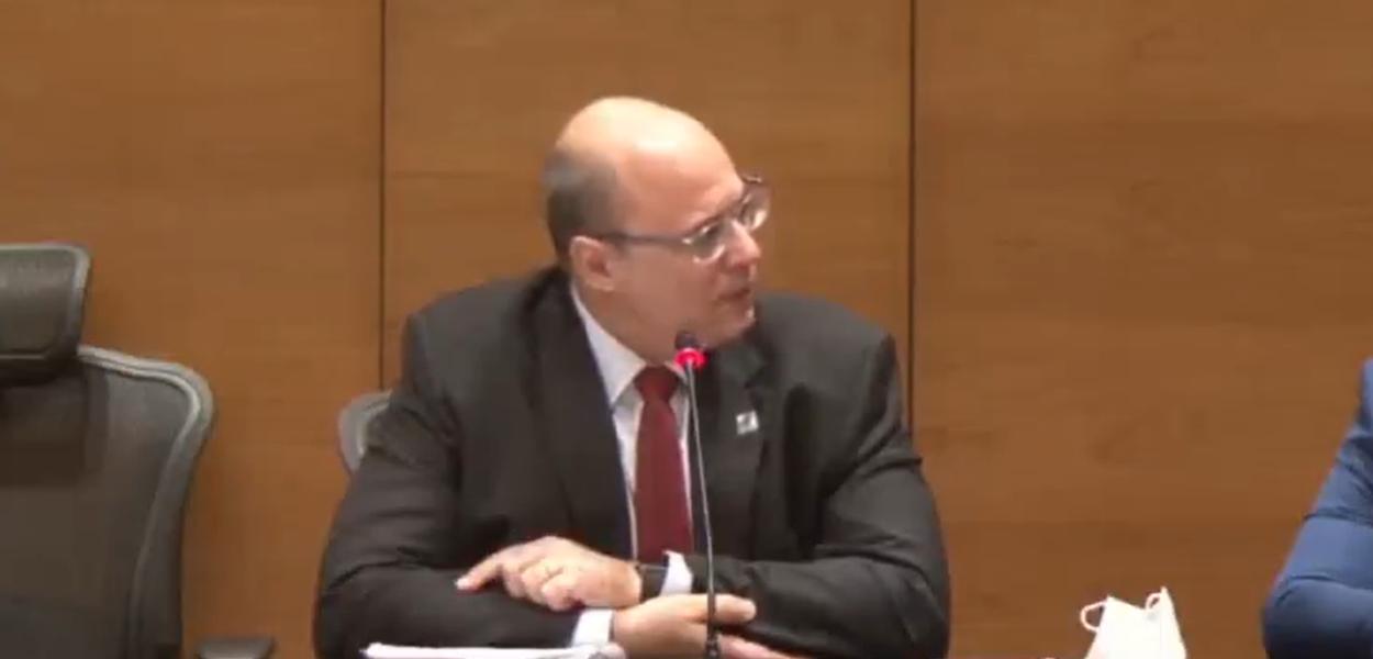 Governador afastado do Rio, Wilson Witzel chora e se diz inocente, durante julgamento do seu impeachment