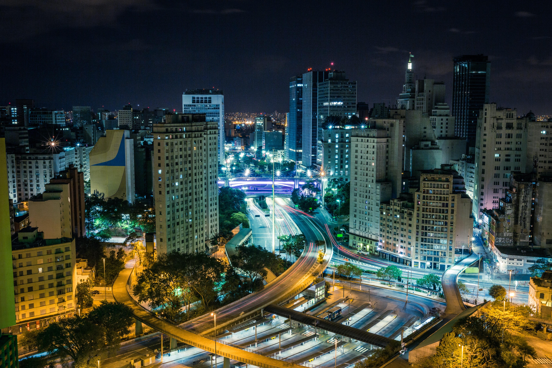 Uma economia em ação: como diferentes investimentos vêm transformando o cenário financeiro do Brasil