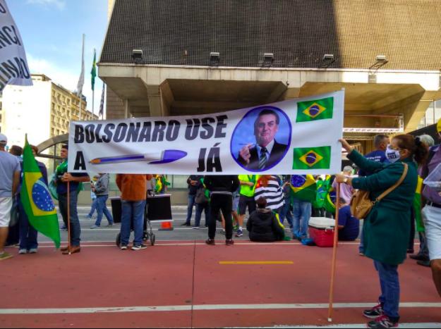 Ato na Paulista neste Dia do Trabalhador (Foto: Twitter de Guga Noblat)