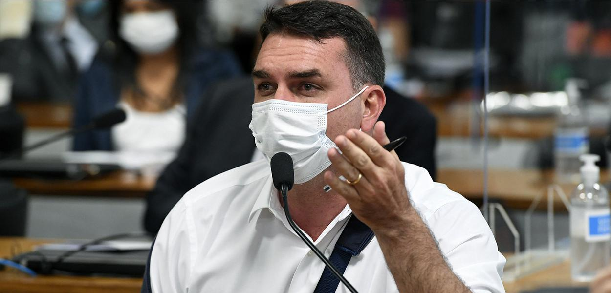Senador Flavio Bolsonaro na CPI da Covid
