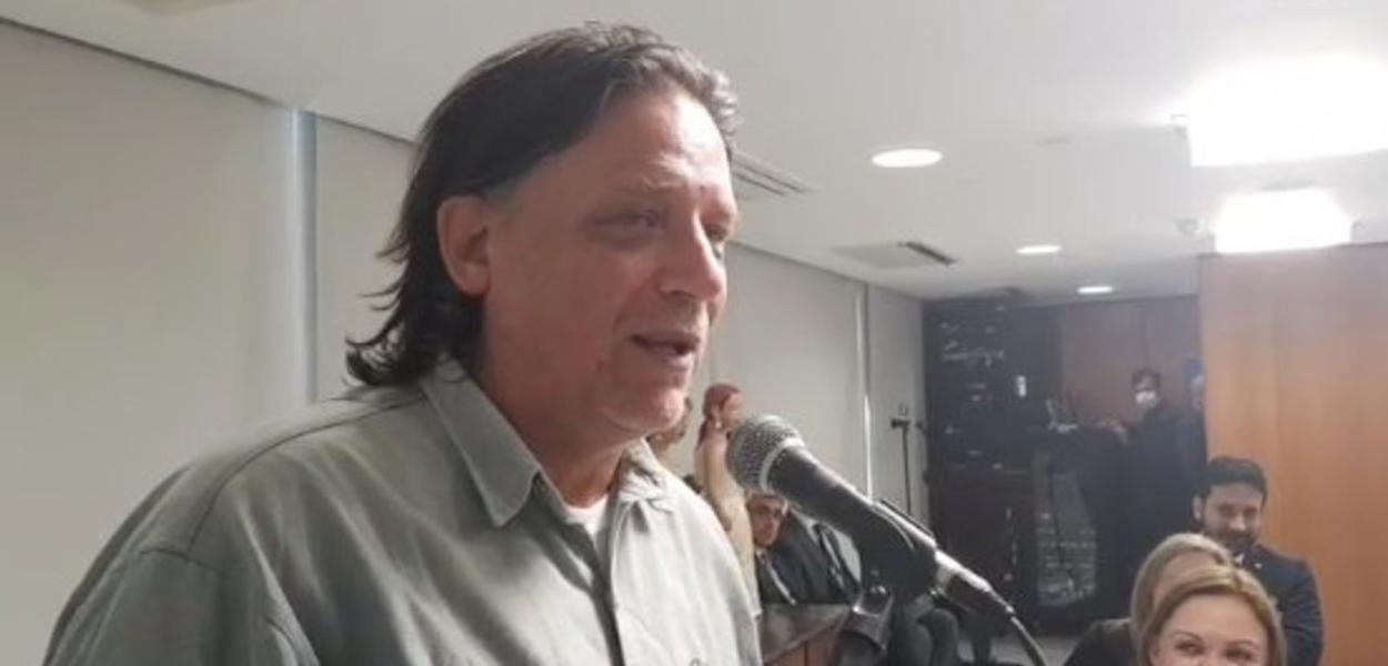"""Virologista Paolo Zanotto, que defendeu a criação de um """"gabinete das sombras"""" na gestão da pandemia pelo governo"""