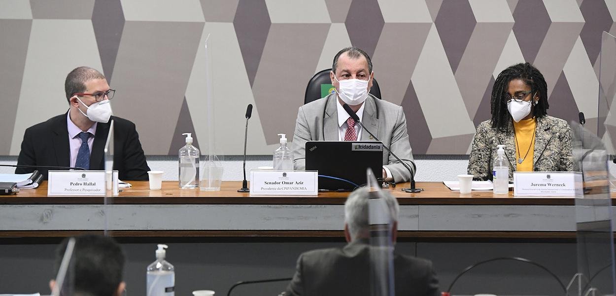 Epidemiologista e pesquisador da UFPel, Pedro Hallal;  senador Omar Aziz (PSD-AM);  diretora-executiva da Anistia Internacional e coordenadora do Movimento Alerta, Jurema Werneck.