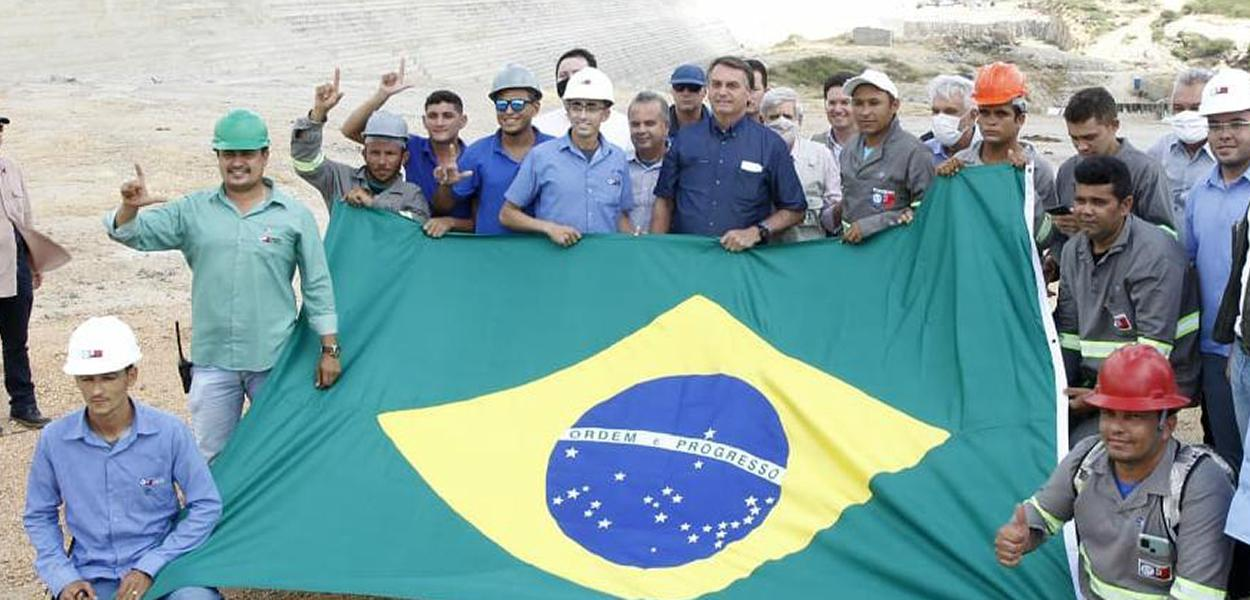 Bolsonaro visita obra no interior do RN