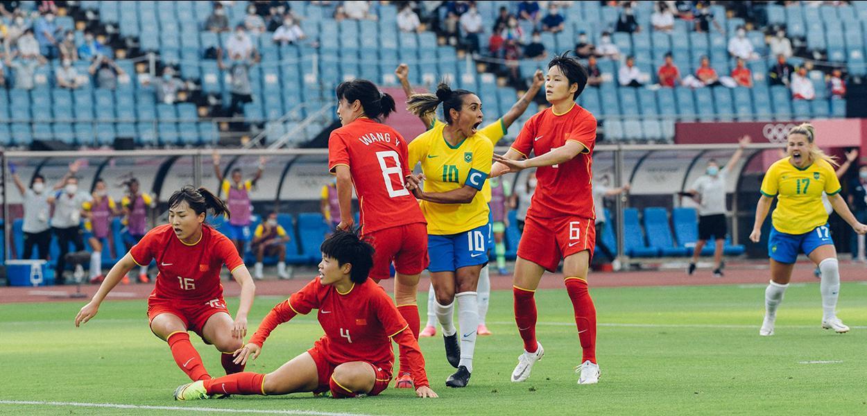 Brasil goleia China na estreia em Tóquio