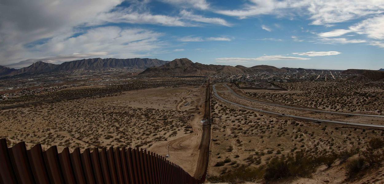 Muro na fronteira entre México e EUA