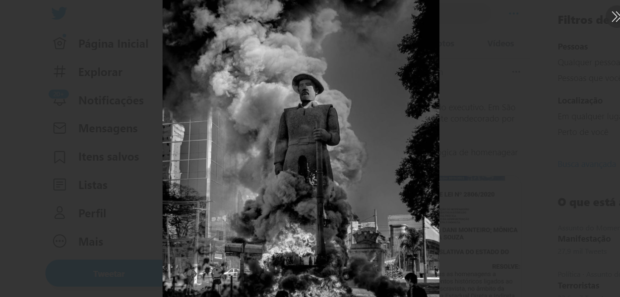 Fogo na estátua do Borba Gato, em São Paulo