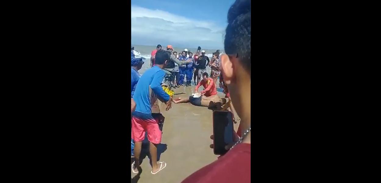 Homem é atacada por tubarão em Piedade (PE)
