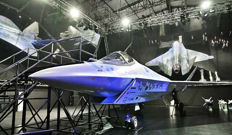 """Rússia revela o caça Sukhoi """"CheckMate"""" no MAKS 2021"""