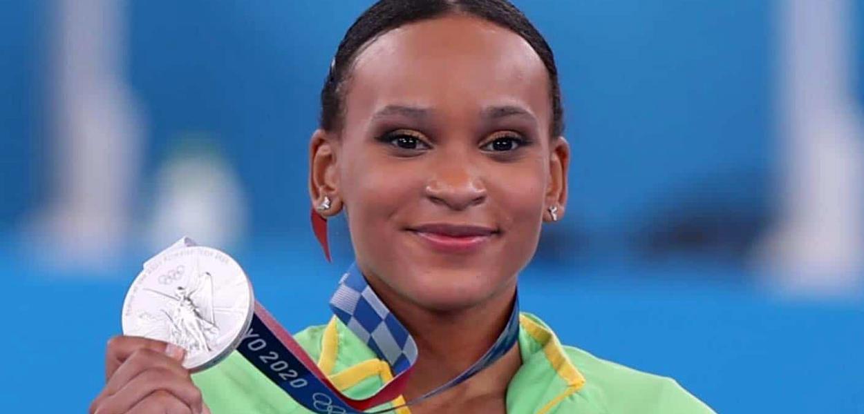 Rebeca Andrade conquista medalha de prata