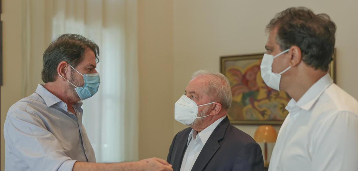 Lula encontra Cid Gomes acompanhado de Camilo Santana