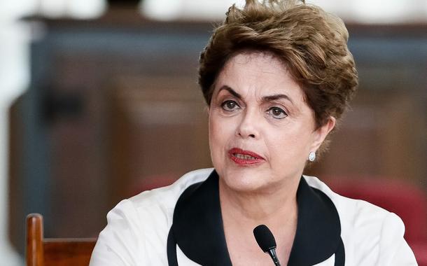 Bolsonaro flerta com golpe dentro do golpe, diz Dilma 5 anos após golpe de Estado de 2016