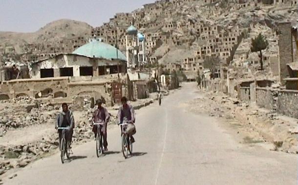 Cabul bombardeada em 2000