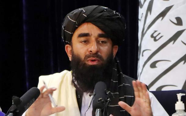 O porta-vos Talibã, Zabihullah Mujahid