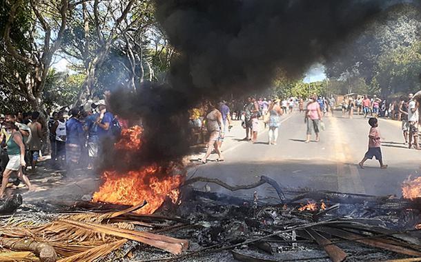 Pataxós se manifestam contra racismo e truculência policial no sul da Bahia