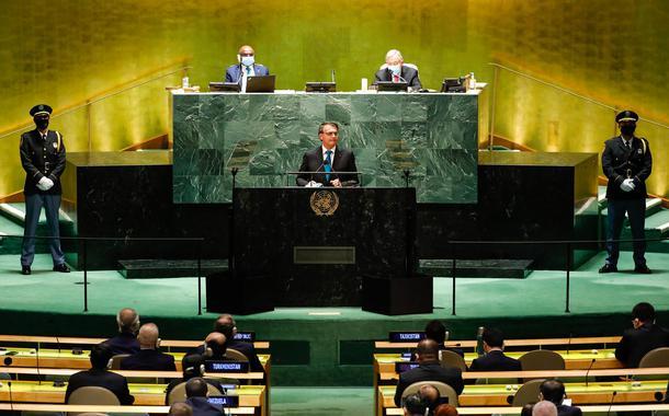 Reuters: Bolsonaro mentiu e confundiu a ONU com o cercadinho do Alvorada