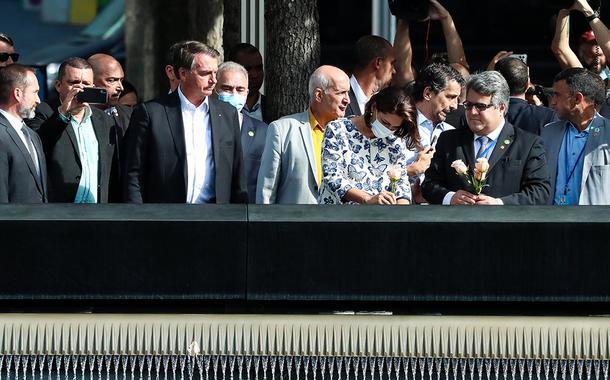 Bolsonaro e sua comitiva visitam o Memorial e Museu Nacional do 11 de Setembro