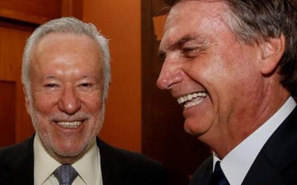 """Bolsonaro ataca CNN após demissão de Alexandre Garcia: """"estarrecedor"""""""