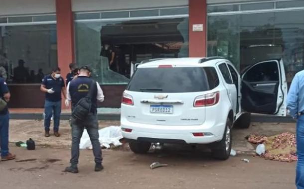 Carro em que as vítimas no Paraguai estavam