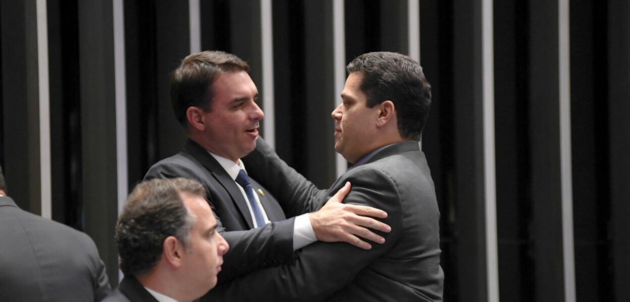 Flávio Bolsonaro e Davi Alcolumbre