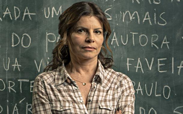 Atriz Débora Bloch é Lúcia na série Segunda Chamada