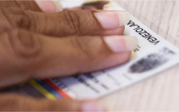 Refugiados venezuelanos são registrados na Polícia Fedral de Boa Vista para emissão e regularização de documentos