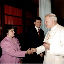 AT THE BEGINNING. Then-Domino's CEO Tom Monaghan and his wife, Marjorie, meet Pope John Paul II, on May 7, 1987, a meeting that inspired Monaghan to found Legatus.