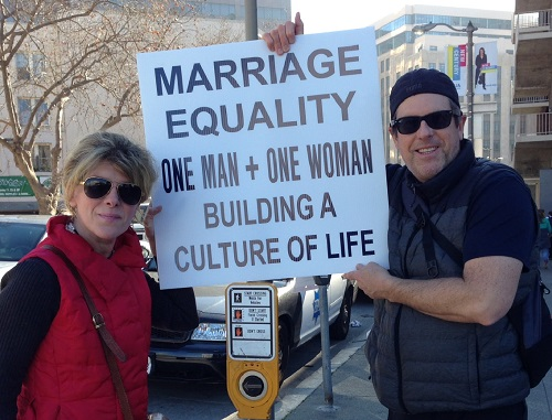 Marco and Lidia Roman, a couple from the Diocese of Oakland, Calif., joined the Walk for Life.