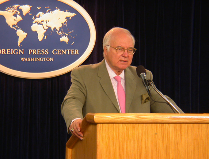 Michael Novak speaks at a Washington Foreign Press Center Briefing in 2004.